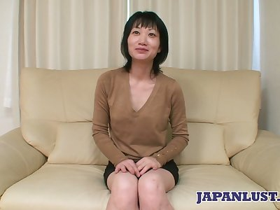 Asian milf Eri Kawasaki is fucked and creampied wide of offbeat dude with a tiny dick
