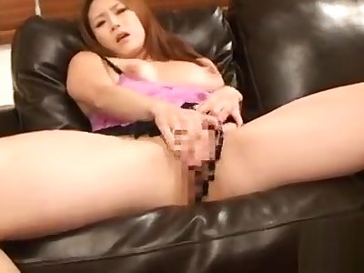 Older babe plays hither duct