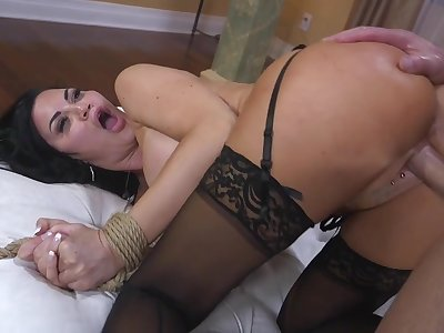 Undimmed brunette Jasmine Jae is tied up and punished by yoke brutal guy