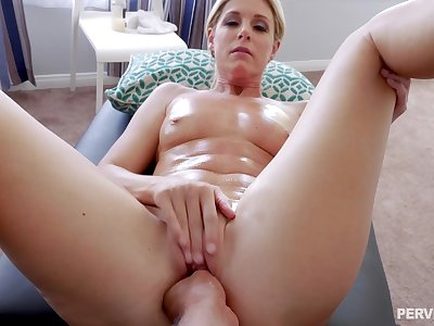 Mature enjoys more than a simple massage