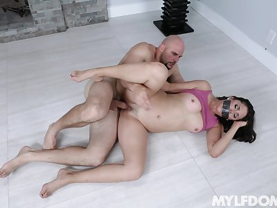 Gagged cougar MILF fucked imperturbable by guy concerning monster dick
