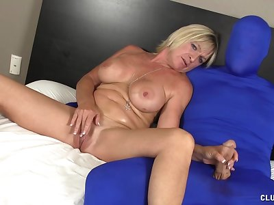 Mature slut with big order tits pleasures dick of a random dude